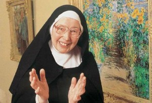 SISTER WENDY AT THE NORTON SIMON MUSEUM - KCET - OCTOBER 13, 2002.
